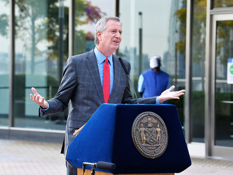 Власти Нью-Йорк угрожают вновь закрыть второстепенные предприятия из-за вспышек COVID