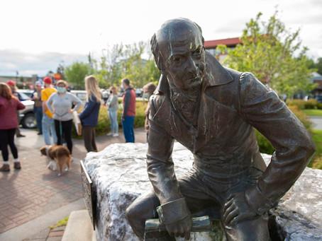 На Аляске демонтируют памятник первому правителю российских поселений Александру Баранову