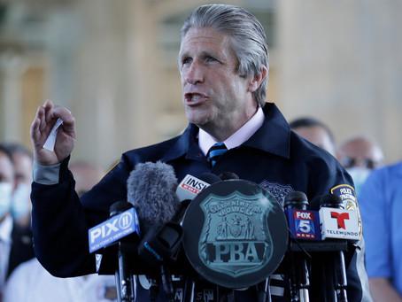 «Вы сами по себе!» Глава профсоюза полиции Нью-Йорка предупреждает жителей о всплеске насилия