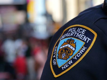 """Законодатели предлагают лишать полицейских пенсии за """"проступки"""""""