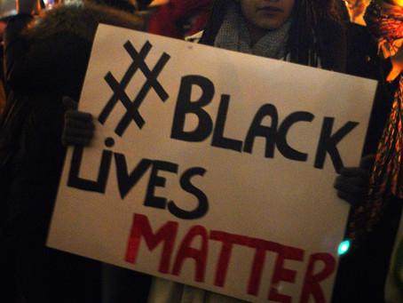 Новые протесты BLM: демонстранты угрожают сжечь Вашингтон и читают прохожим лекции о расизме