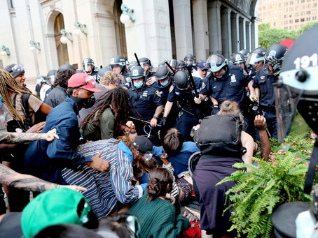 Нью-Йорк голосует за сокращение бюджета полиции на $1 млрд