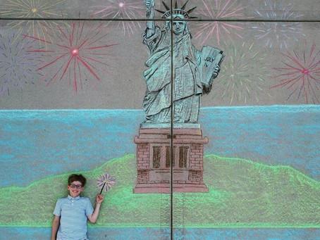 14-летняя жительница Иллинойса отправляет своего брата в путешествия с помощью рисунков