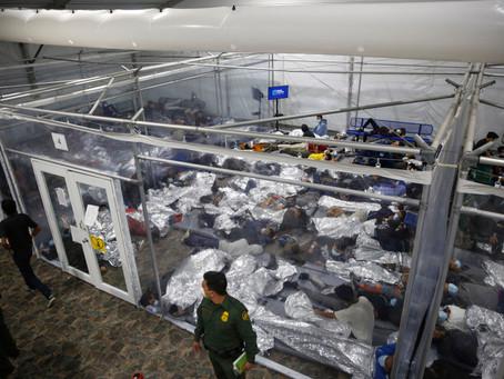 Губернатор Техаса закрывает все приюты для детей-мигрантов в штате