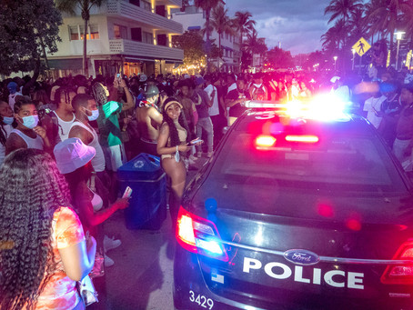 В Майами-Бич объявлено чрезвычайное положение