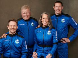 Безос отправил в космос 90-летнего актера из сериала «Звёздный путь»