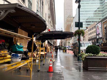 Центральный Macy's в Нью-Йорке заколачивает витрины в ожидании беспорядков после выборов