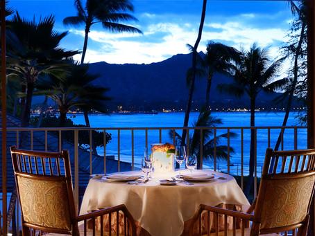 Безработным на Гавайях выдадут по $500 на походы в рестораны