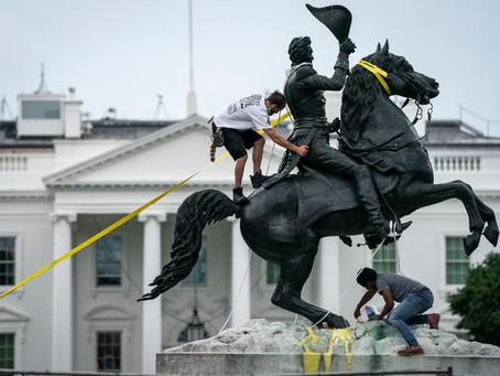 Трамп заявил, что тех, кто разрушает памятники, нужно арестовывать