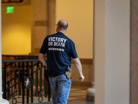 Губернатор Техаса подписал закон, разрешающий носить оружие без лицензии и обучения