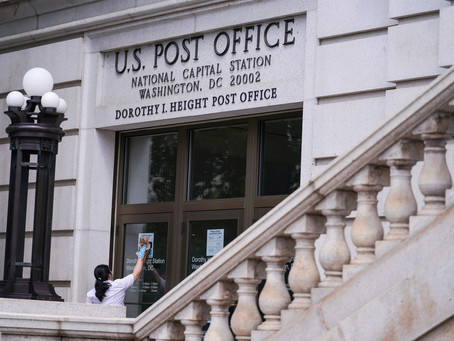 Как Почтовая служба оказалась в центре президентских выборов в США?