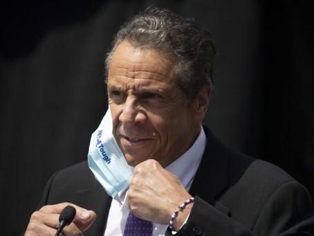Губернатор Нью-Йорка ослабил коронавирусные ограничения по всему штату