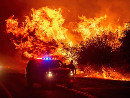 На Западе США продолжают бушевать пожары