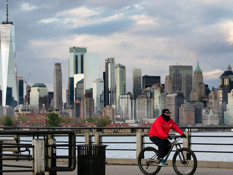«Это безумие!». Эксперты рассказывают, как и куда люди бегут из Нью-Йорка