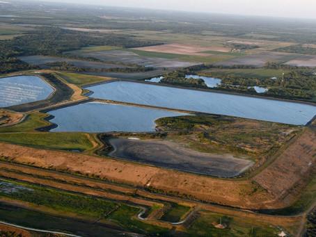 Во Флориде объявлено чрезвычайное положение из-за опасений прорыва хранилища сточных вод