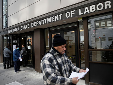 Мэр Нью –Йорка угрожает уволить 22 тысячи рабочих, если федеральное правительство не поможет городу