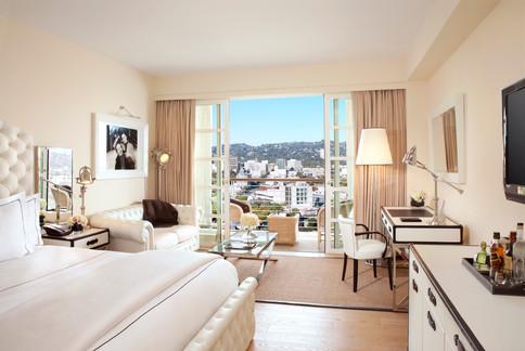 White-Premium-Beverly-Hills-View-Room-at-Mr.-C14.jpg
