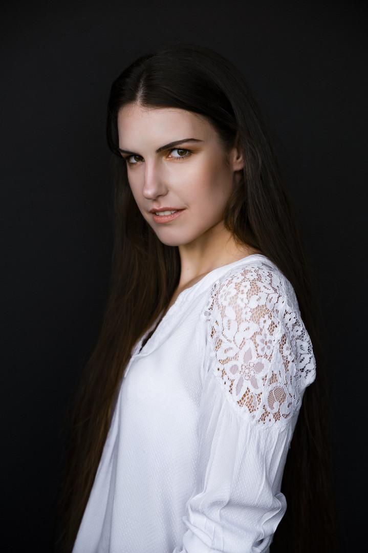 Photographed by Ronald Lee Studios Model: Mieke Verhelst