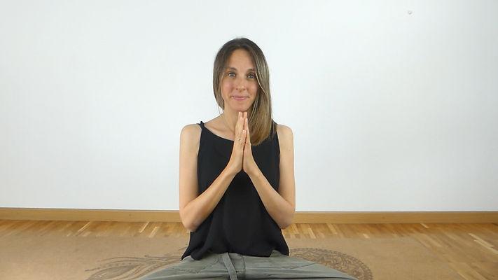prof yoga prénatal.jpg