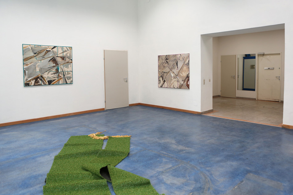 exhibition view FIGURE IN THE CARPET, JUSTICE Vienna, 2017