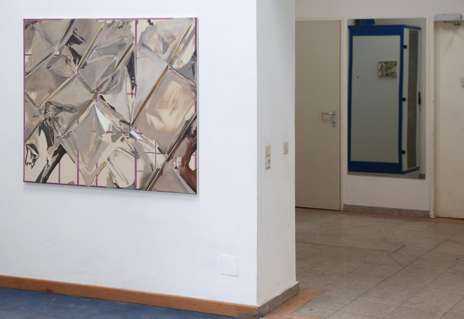 exhibition view FIGURE IN THE CARPET, JUSTICE Vienna, 2017; left side: untitled (from 'geographies'), oil and acrylics on canvas, 130 x 110cm, 2017