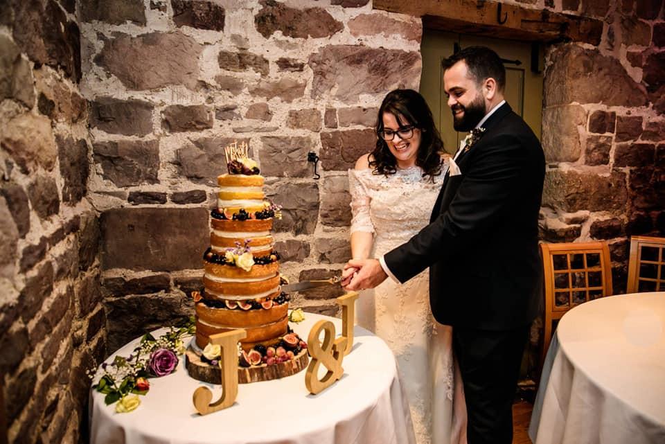 jen and jamie wedding cake.jpg