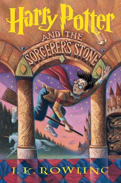 """""""Harry Potter e a Pedra Filosofal"""" completa 20 anos de lançamento no Brasil."""