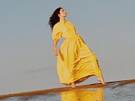 """Crítica: """"Solar Power"""" e o renascimento de uma Lorde hippie"""