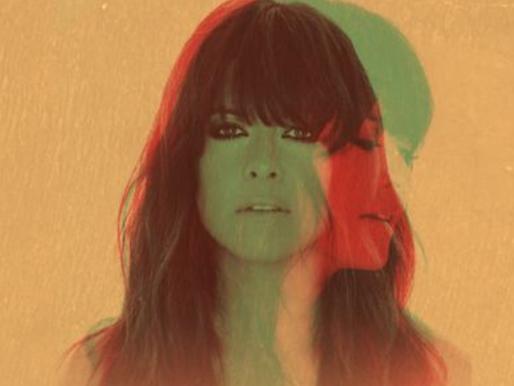 """Crítica: """"Siete Veces Sí"""", o disco cheio de sentimento de Vanesa Martín"""