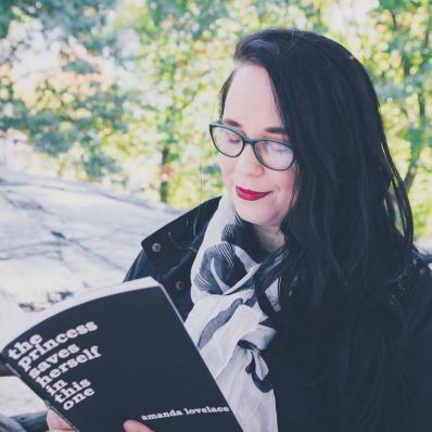 Crítica: a princesa salva a si mesmo neste livro, de Amanda Lovelace