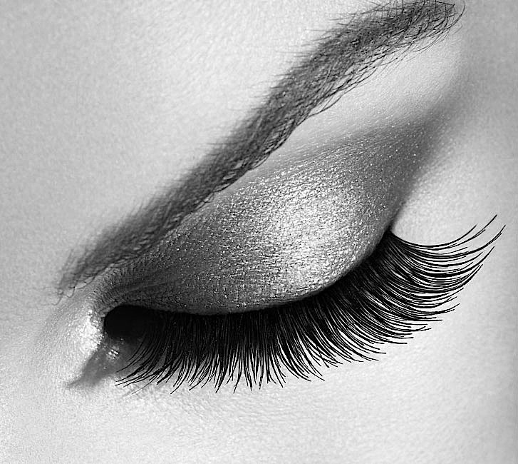 Volume lashes offer dashing and dramatic look