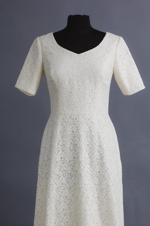 Size 12 Ivory Lace Longer sleeve Jane dress