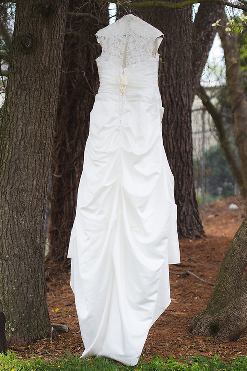 Size 16W Ivory Lace Corset