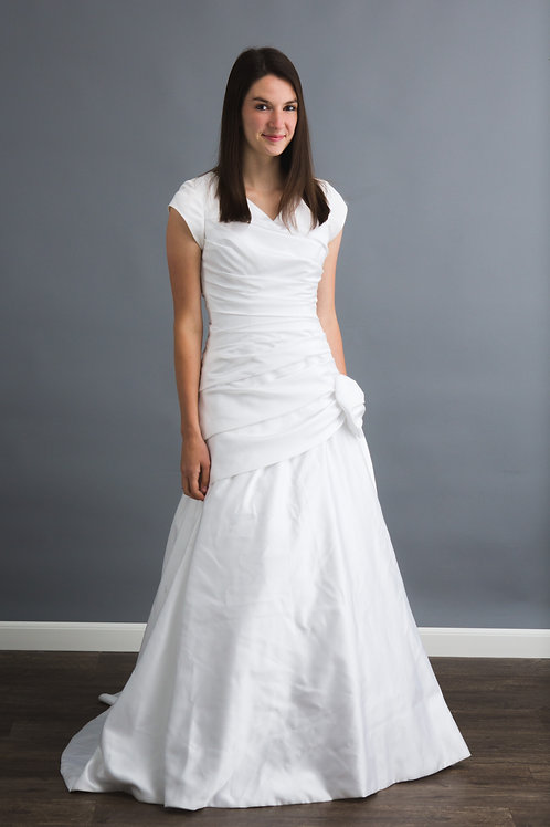 Size 4 White Beautifully Modest