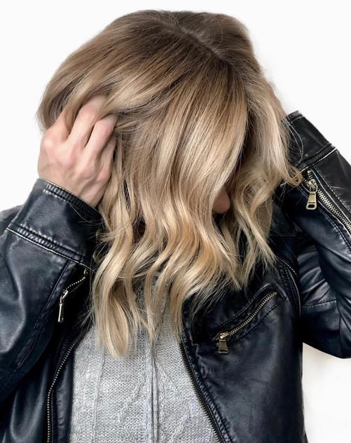 women's hair highlight service