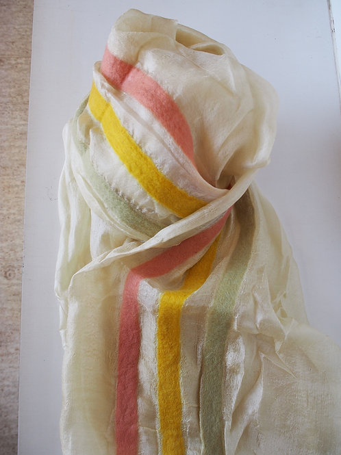 キルギス羊毛フェルト シルクスカーフ サイズ/大 草木染/エスパルセット
