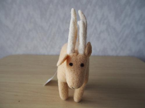 キルギス羊毛フェルト 動物マスコット 鹿L
