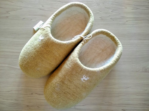 キルギス羊毛フェルト スリッパ サイズ/小 草木染め/くるみ(送料込み)