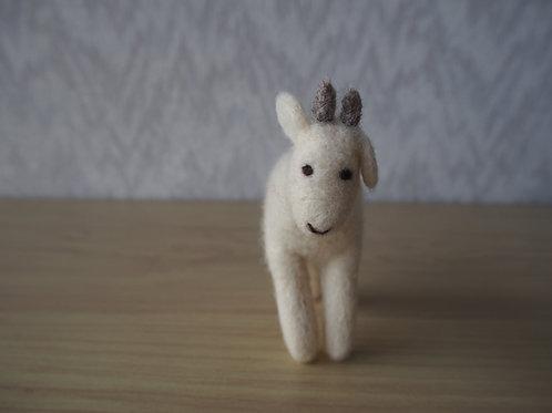 キルギス羊毛フェルト  動物マスコットヤギS