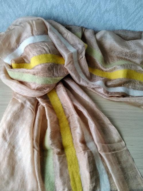 キルギス羊毛フェルト シルクスカーフ サイズ/大 草木染/くるみ