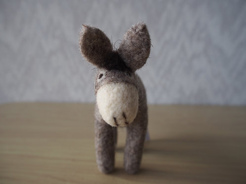 キルギス羊毛フェルト 動物マスコット ロバM