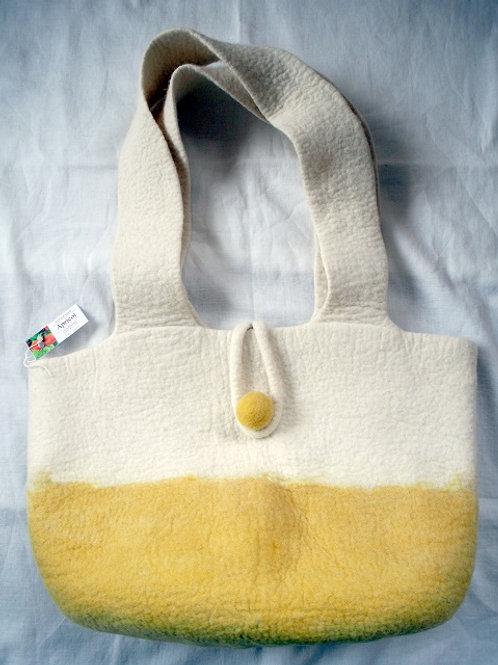 キルギス羊毛フェルト トートバッグ サイズ/中 草木染め/アプリコット(送料込み)
