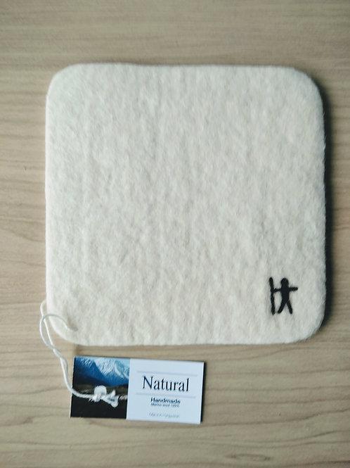 キルギス羊毛フェルト コースター 草木染め/無 ナチュラルホワイト
