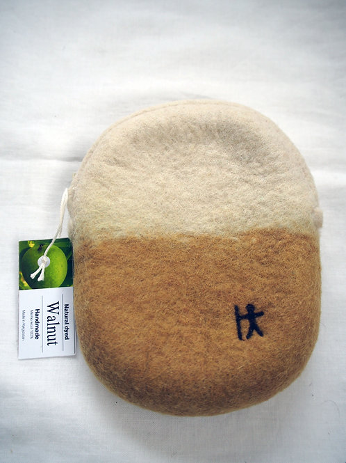 キルギス羊毛フェルト ポーチ サイズ/小 草木染め/くるみ(送料込み)