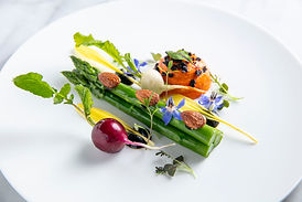 Green asparagus, smoked almonds,