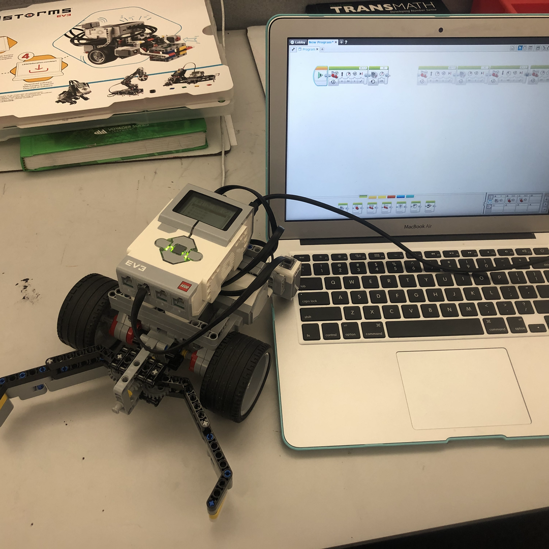 Coding a Robot.HEIC