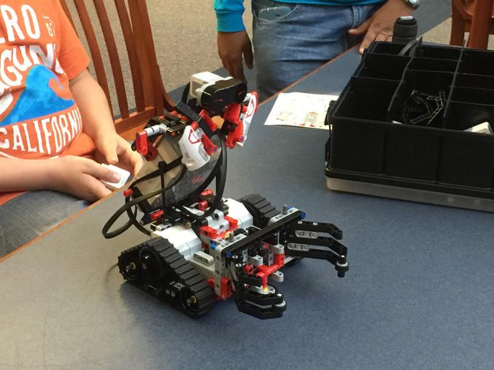 The LEGO Robot Eve