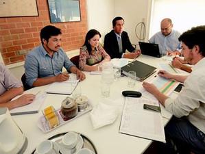 Alcalde de Lota se reúne con ejecutivos de ESSBIO