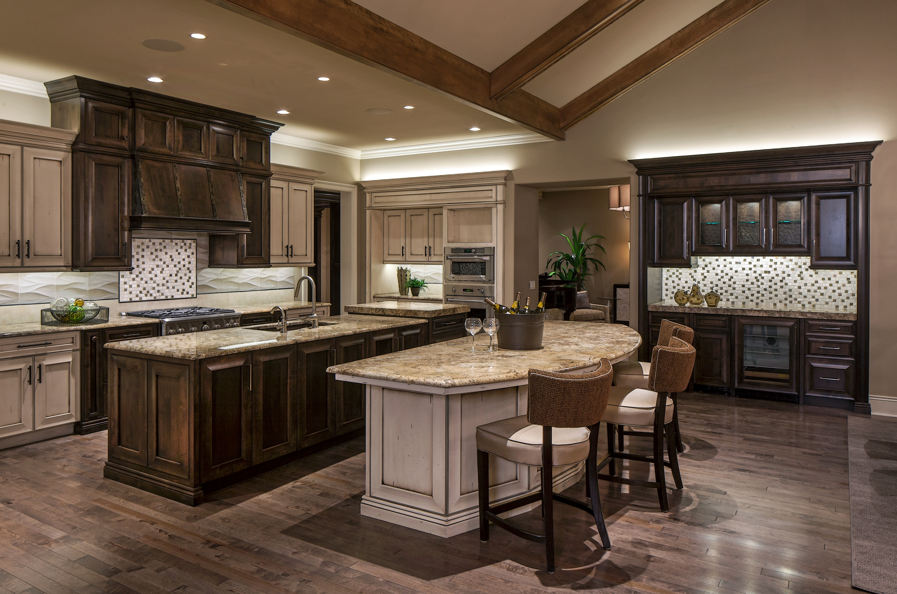 Transitional Kitchen - West Omaha