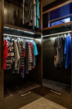 LED Illuminated Closet Rods